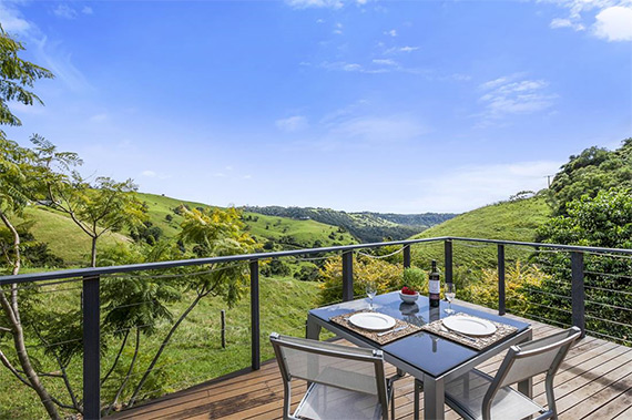 Accomodation  |  Sunshine Coast Hinterland  | Luxury accommodation with all the facilities